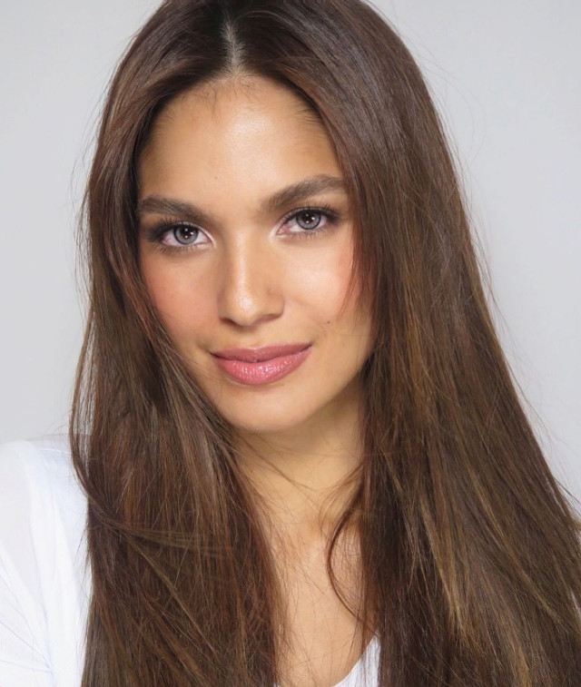 Andrea Torres' Long Layered Hairstyle