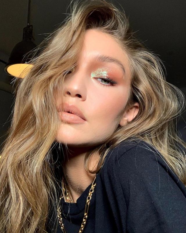 Glitter eye makeup: Iridescent foil by Patrick Ta on Gigi Hadid
