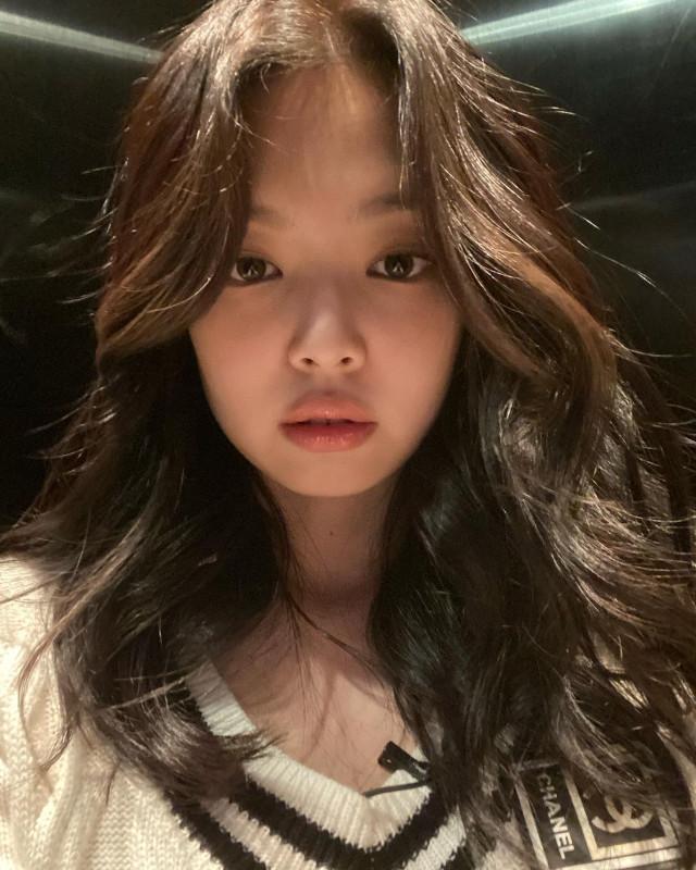 Best Hairstyles of BLACKPINK's Jennie Kim: Classic blowout