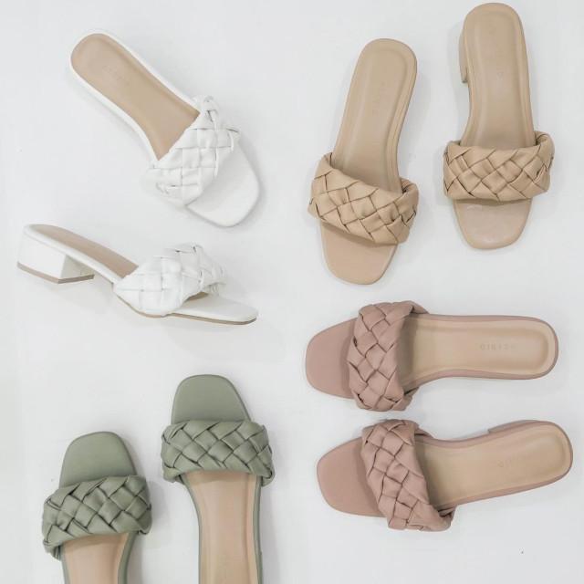 Aztrid Minimalist Sandals