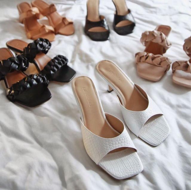La Soledad Minimalist Sandals