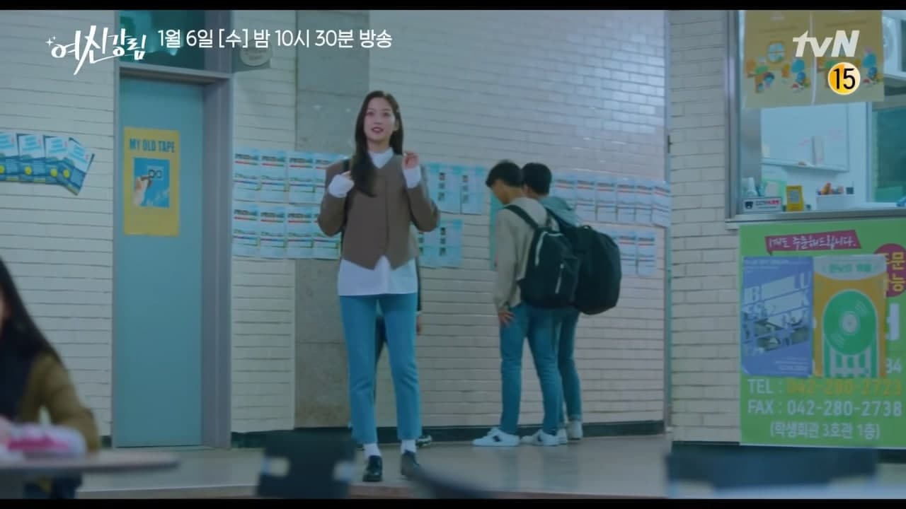 Ju Kyung gets crushed when she sees Suho hugging another girl - Scene 1