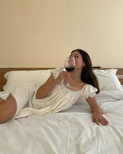 Rhea Bue wine glass