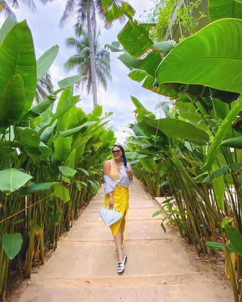 KC Concepcion Palawan beach outfits