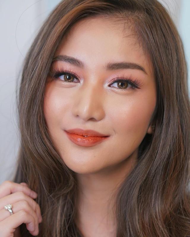Best Wedding Makeup Idea: Charlie Dizon's Pink and Coral Makeup Look