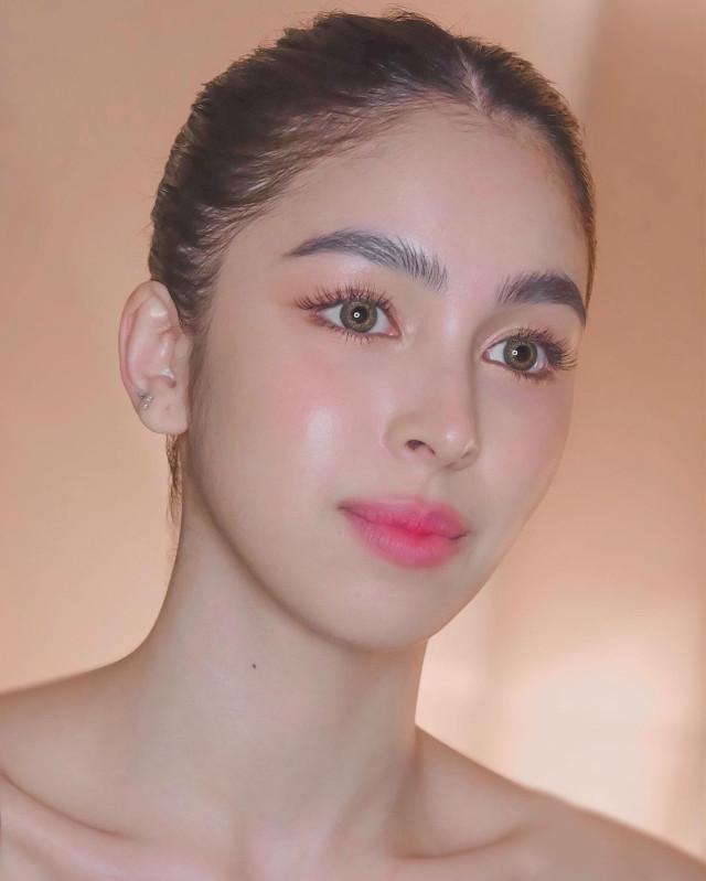 Best Wedding Makeup Idea: Julia Barretto's Dewy Makeup Look