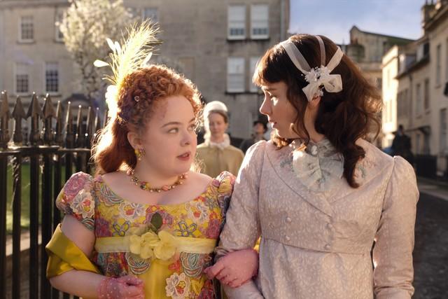 Penelope and Eloise Bridgerton walking outside