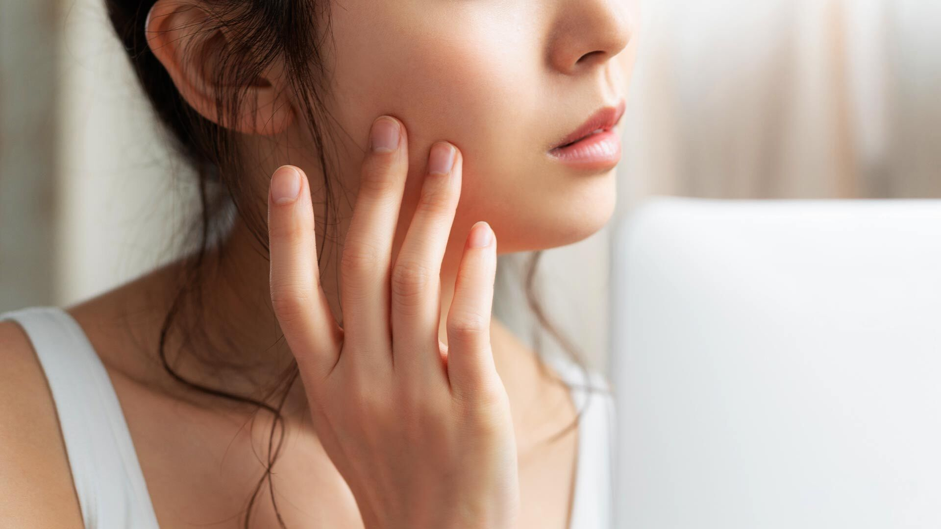 Makeup for acne prone skin tips