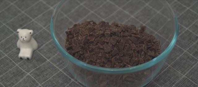 How to make nama truffles: Dark chocolate chips