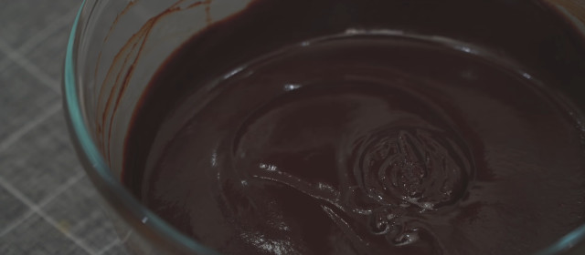 How to make nama truffles: Mix cream, unsalted butter, and chocolate