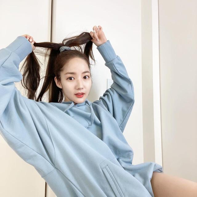 Home Photo Shoot Idea: Park Minyoung
