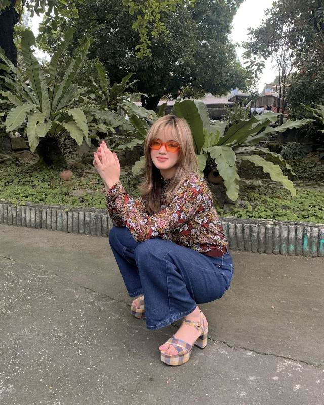 Pamela Andres Instagram Pose: Choose a cute outfit