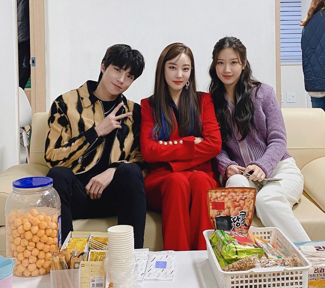 True Beauty Hwang In Yeop, Moon Ga Young, and Go Woo Ri