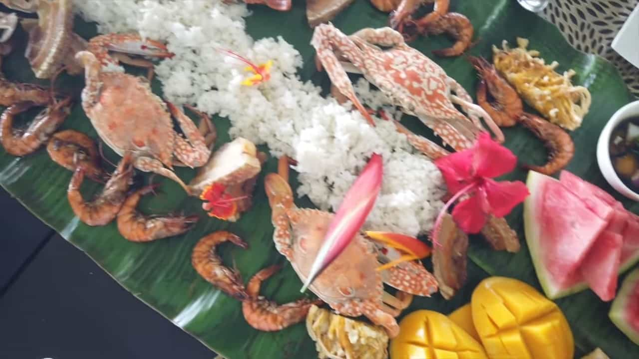Rei Germar Siargao vlog: boodle fight in Nay Palad