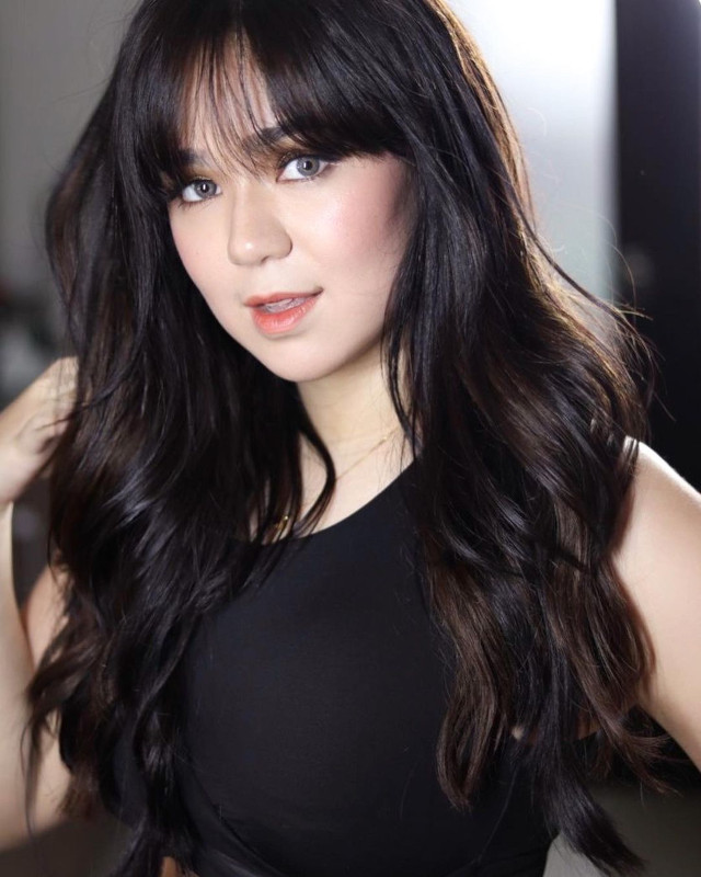 Hairstyle with bangs: Mikee Quintos