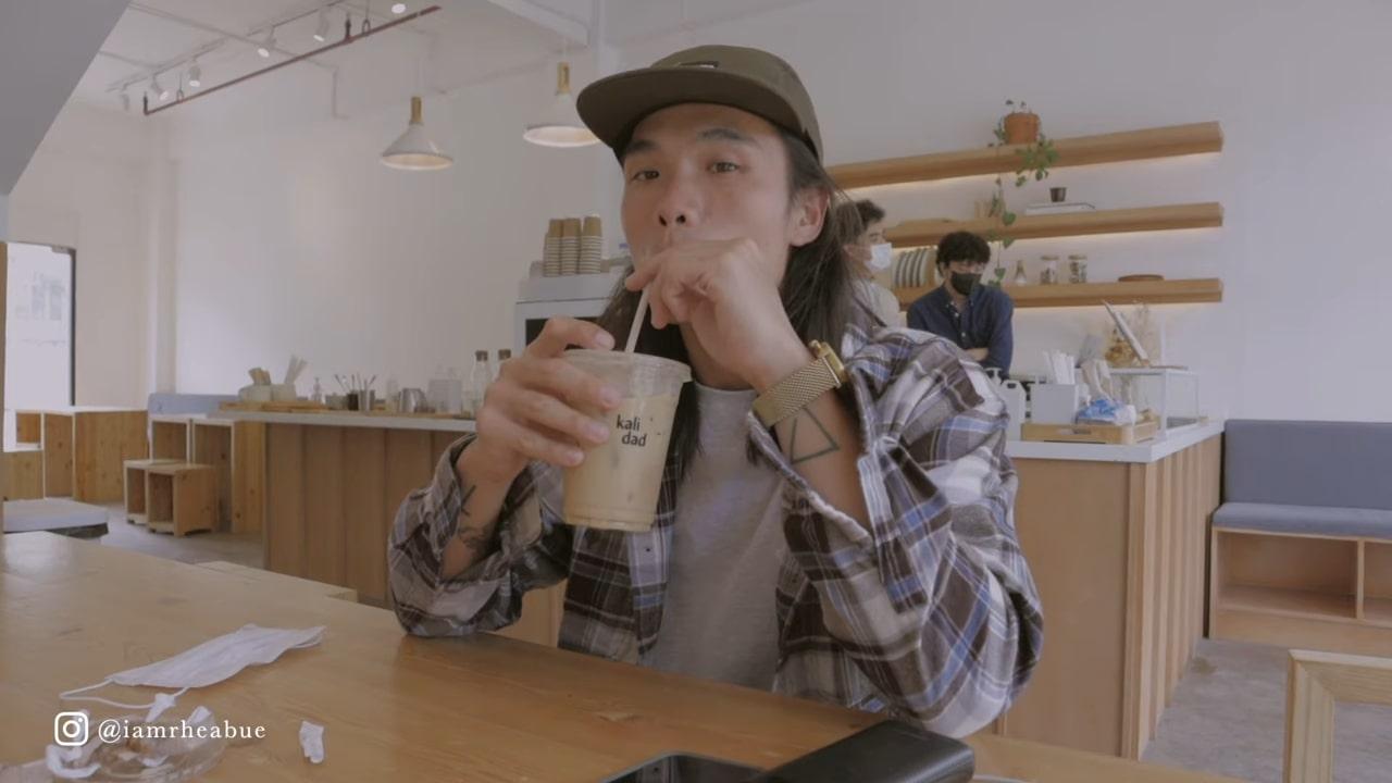 Minimalist cafe: Jeff Ong in Kalidad Coffee in Pampanga