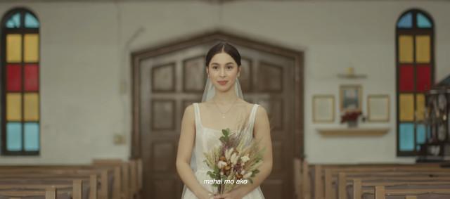 Julia Barretto and Joshua Garcia in Moira Dela Torre's 'Paubaya' music video (bridal march)