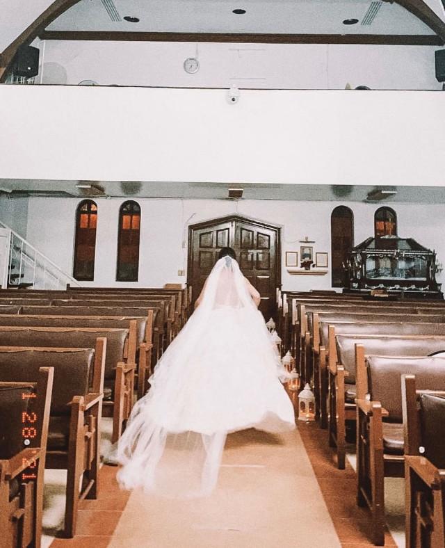 Julia Barretto in Moira Dela Torre's 'Paubaya' music video (Wedding veil)
