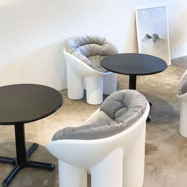Minimalist cafe: interiors of Moon Cafe in Pampanga
