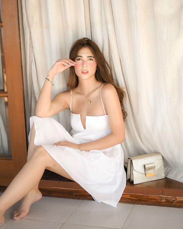 Sofia Andres: White Sundress