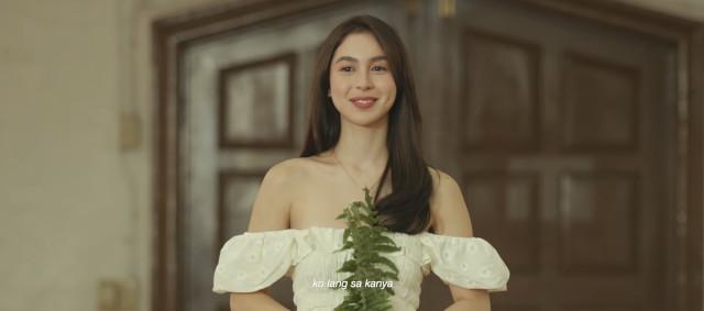 Julia Barreto in Moira dela Torre Paubaya Music Video