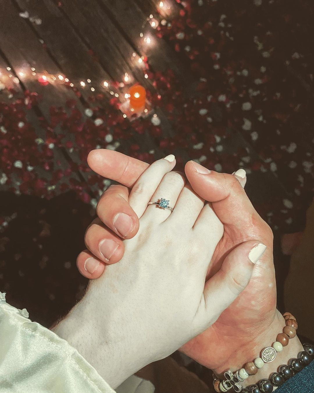Sophie Albert's pale hand