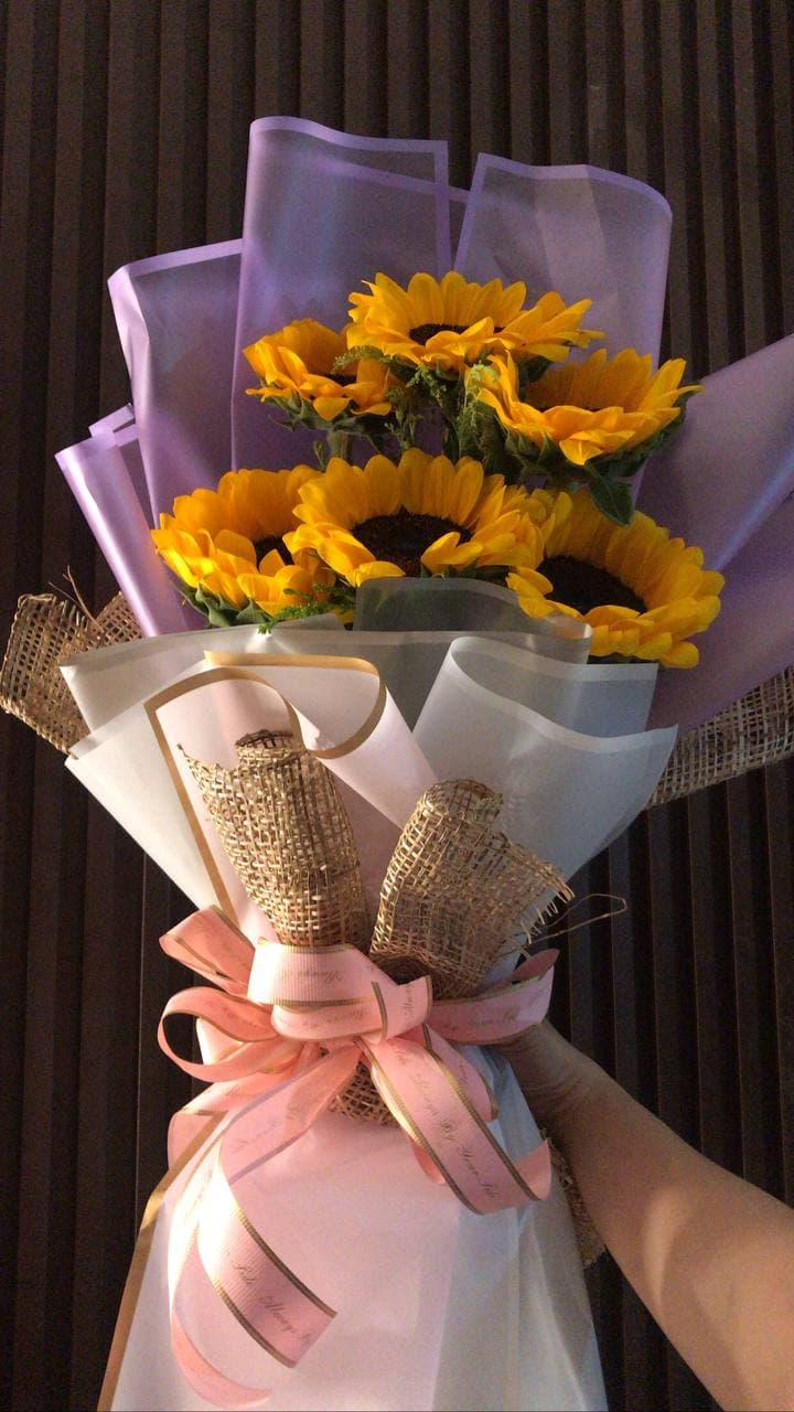 Dating during a pandemic: sunflowers from boyfriend