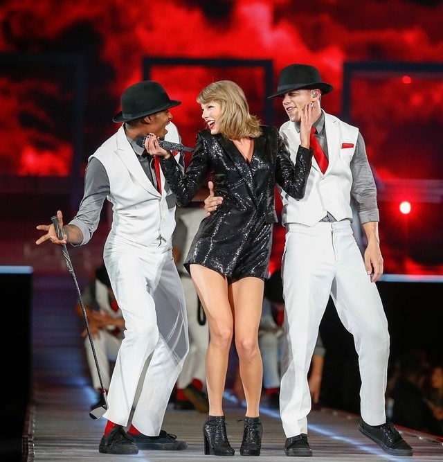 how rich is taylor swift