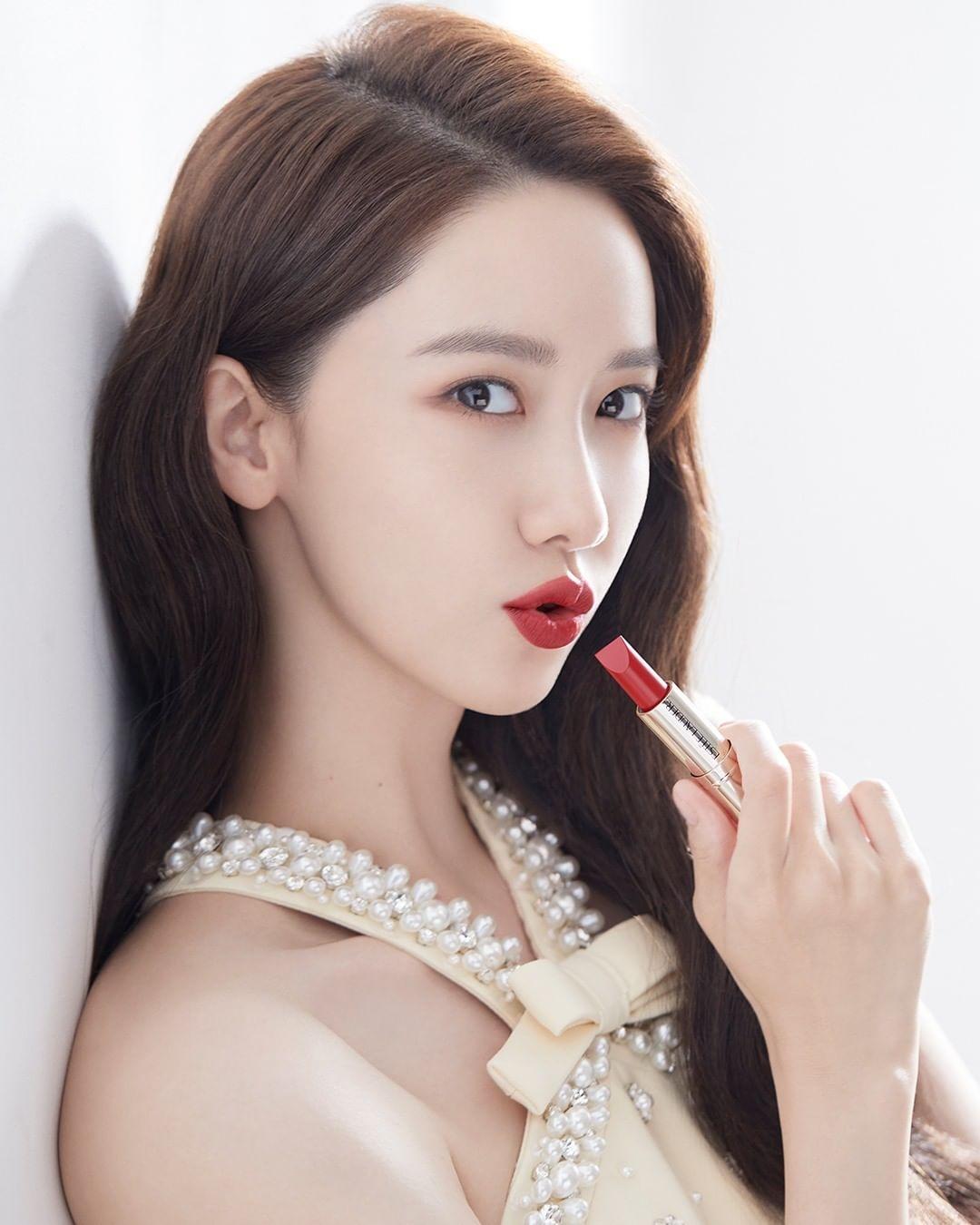 Girls Generation's Yoona for Estee Lauder