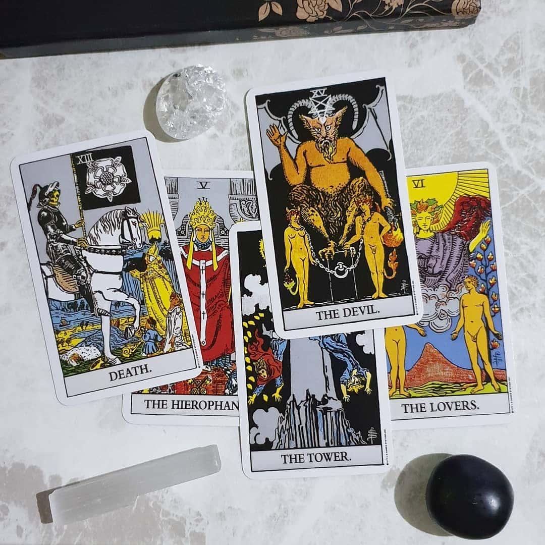 tarot cards: how it helped with my mental health