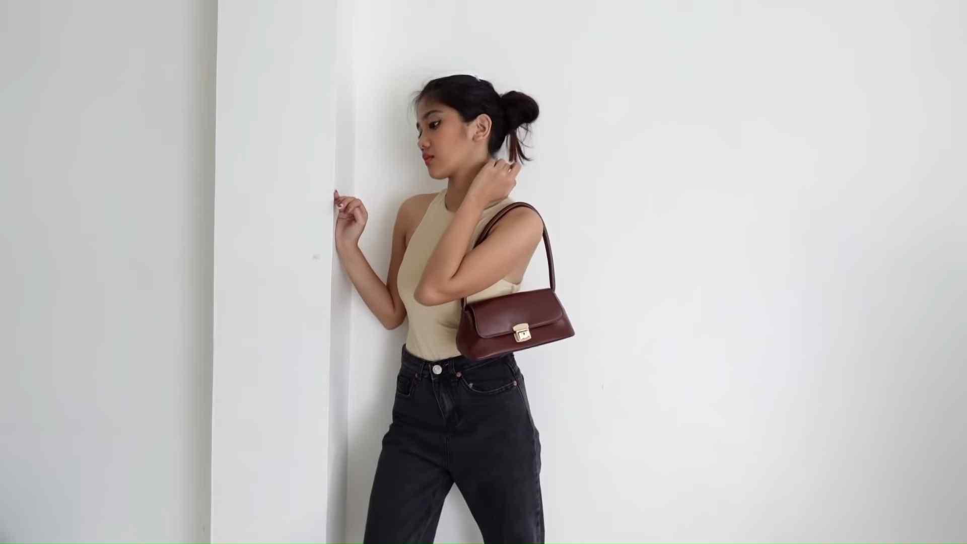 Ashley Garcia's Bag Haul - a classy-looking baguette bag