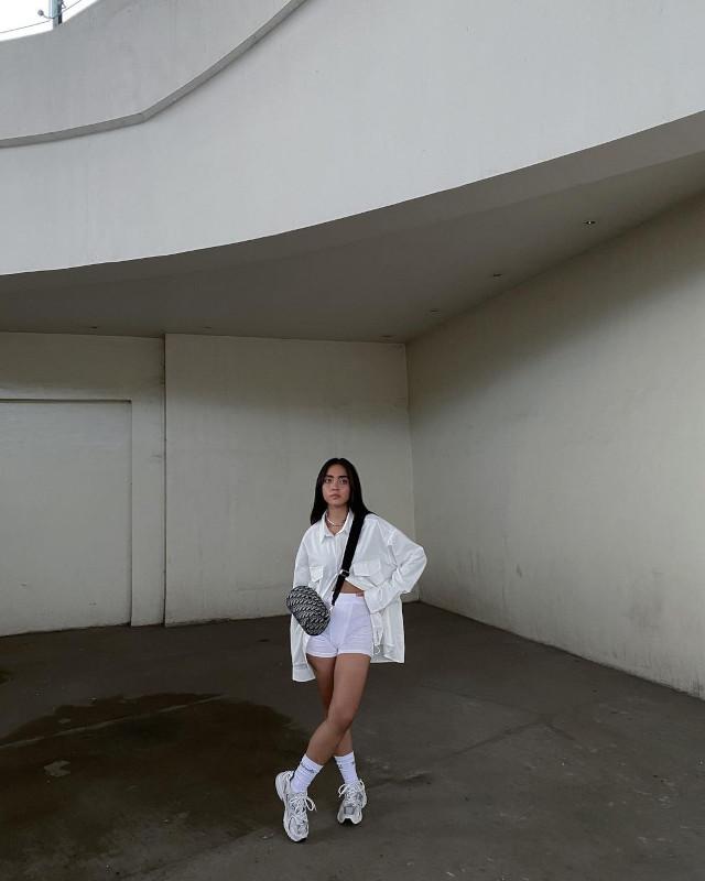 Ida Anduyan Sneaker Outfit
