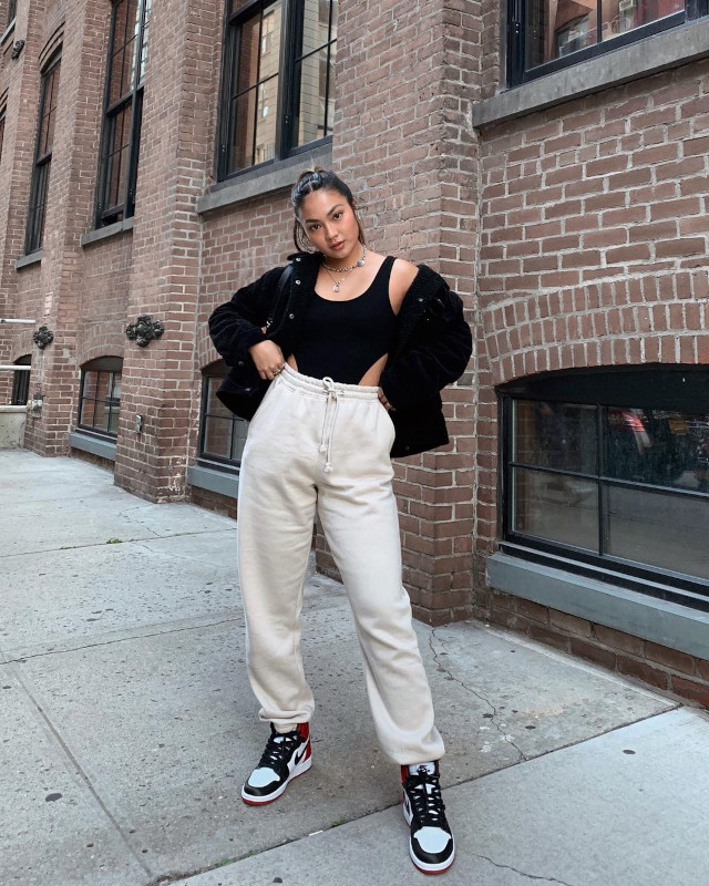 Jeorella Sneaker Outfit