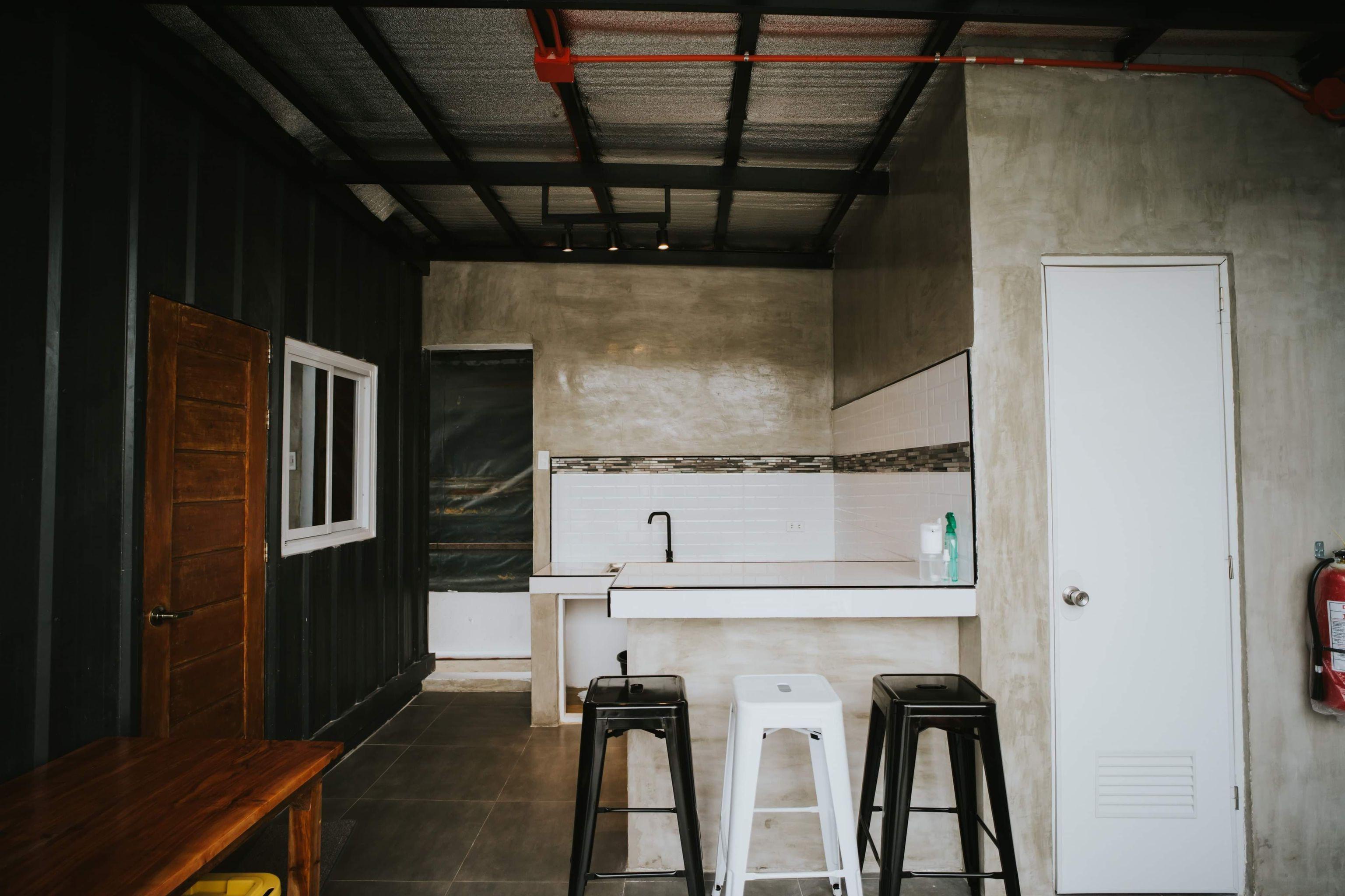 tiny house: dining area