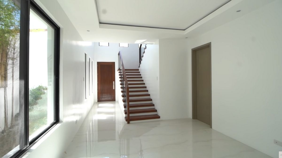 Rayver Cruz's home transformation: bare entrance