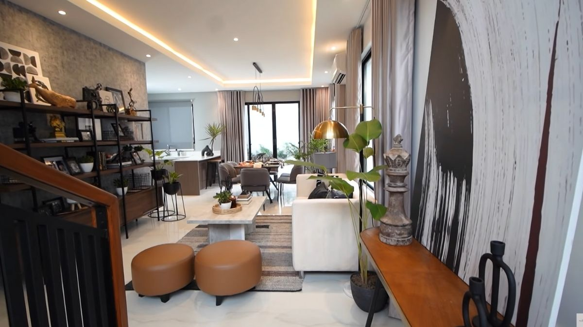 Rayver Cruz's home transformation: view from the entrance