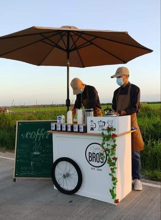 coffee stand: baristas on standby