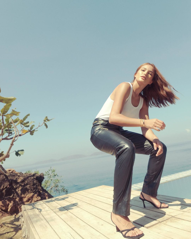 Modern Classic Outfit Idea: Sarah Lahbati