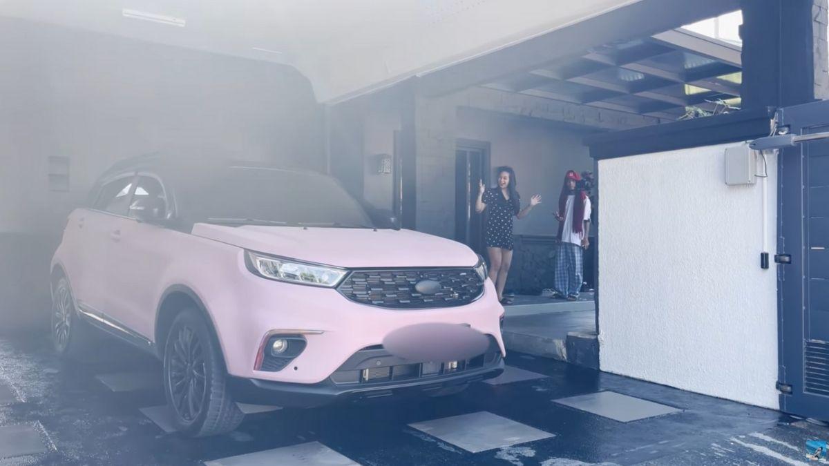 Zeinab Harake's new car is named BLACKPINK