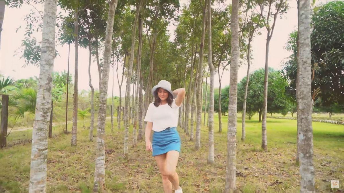 Bea Alonzo's farm in Zambales: mahogany trees