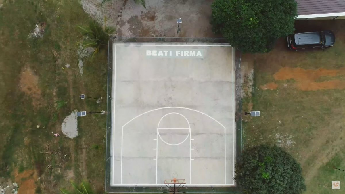 Bea Alonzo's farm in Zambales: half-court