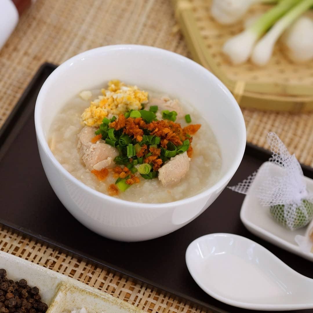 Philippine Airlines' (PAL) arroz caldo kit