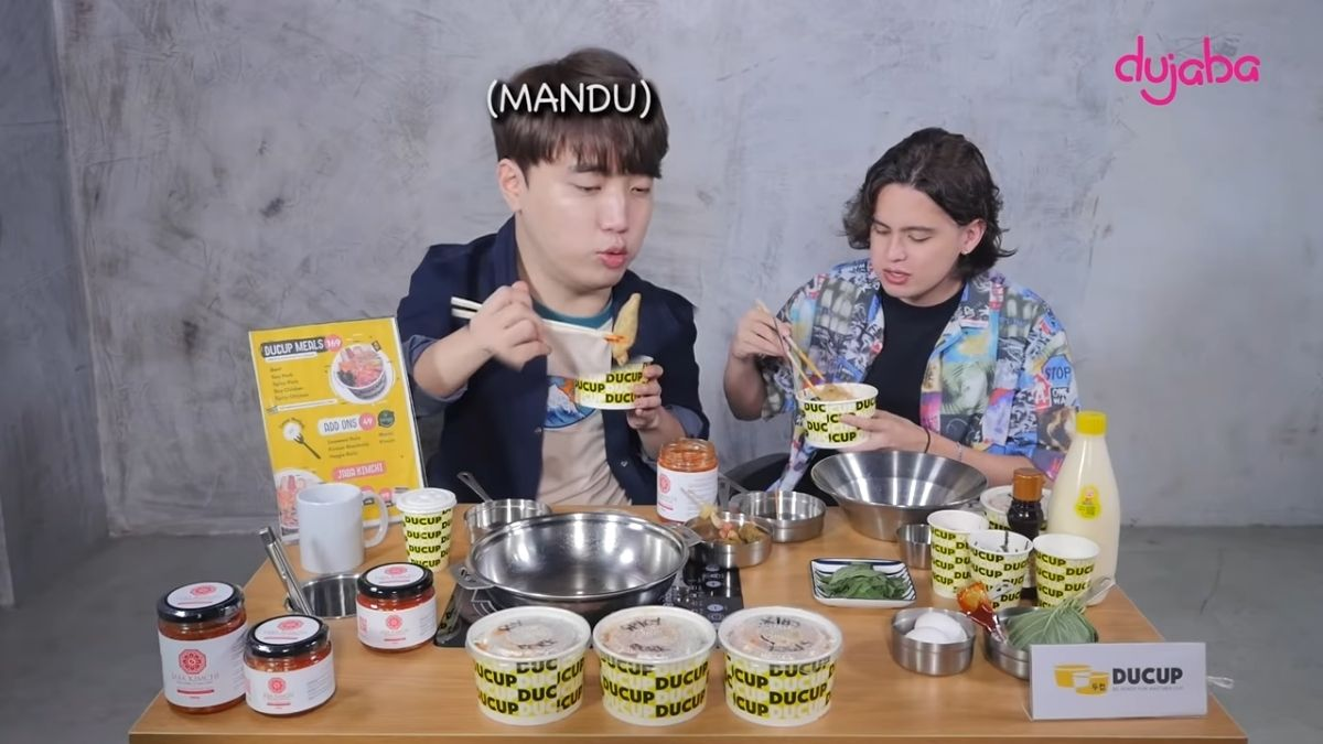 Ryan Bang and James Reid mukbang session