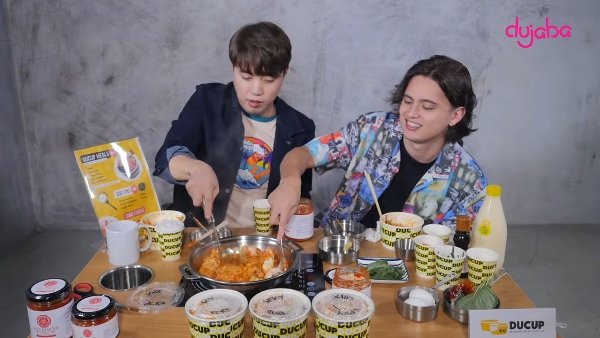 Ryan Bang and James Reid eats kimchi fried rice