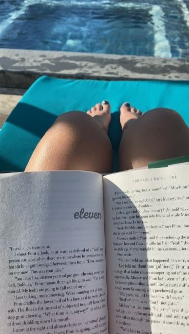 Boraca travel requirements: reading a book