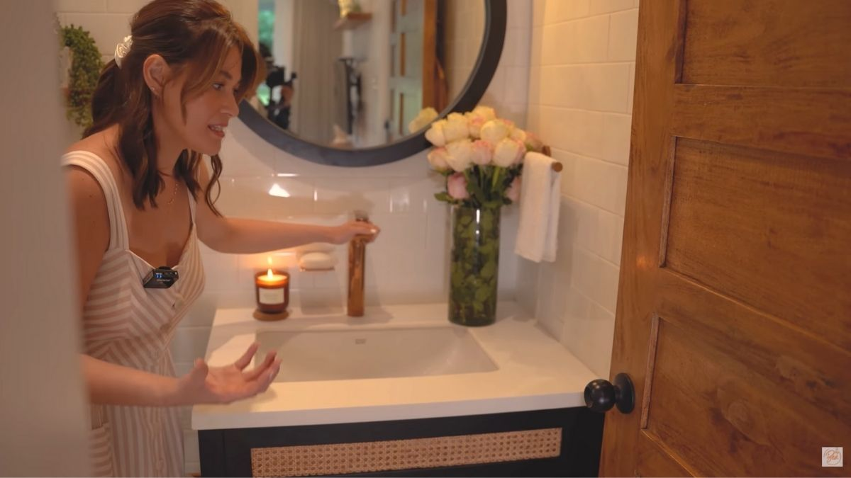 Bea Alonzo farm house tour in Zambales: bathroom