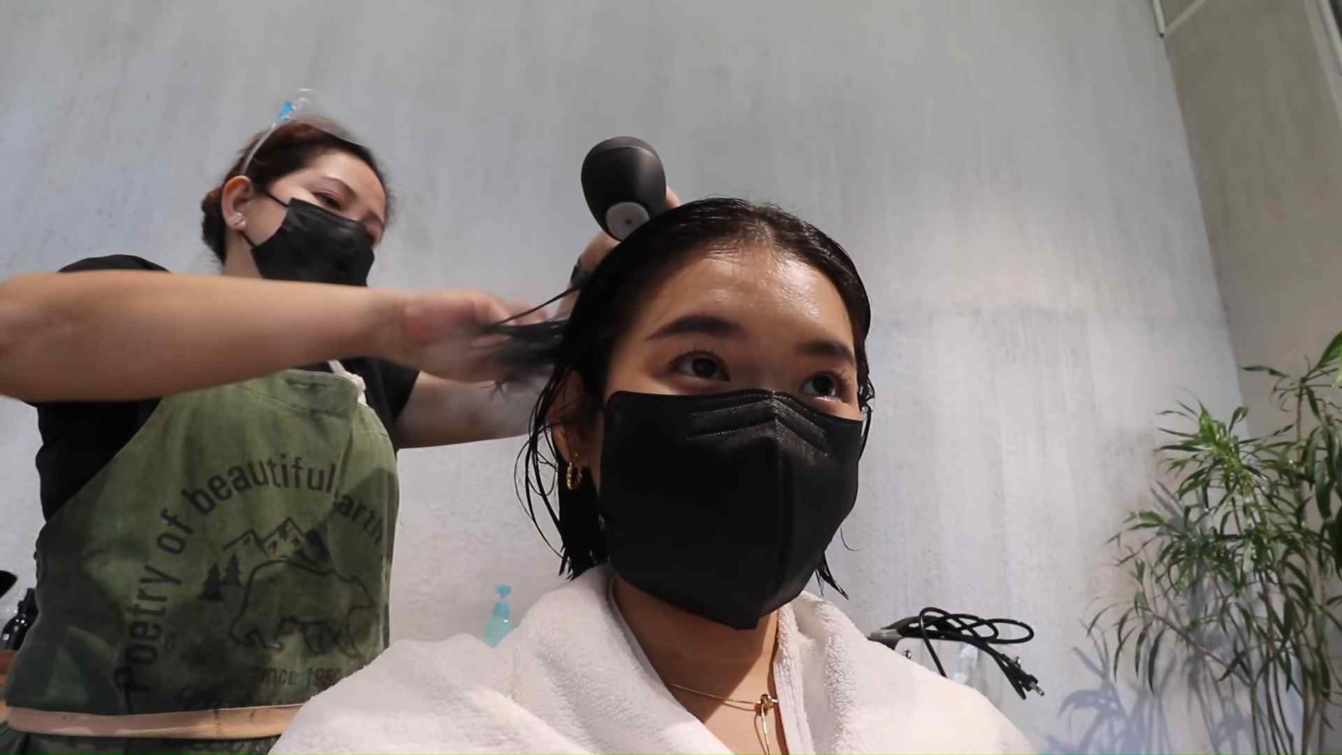 Toni Sia gets her hair done