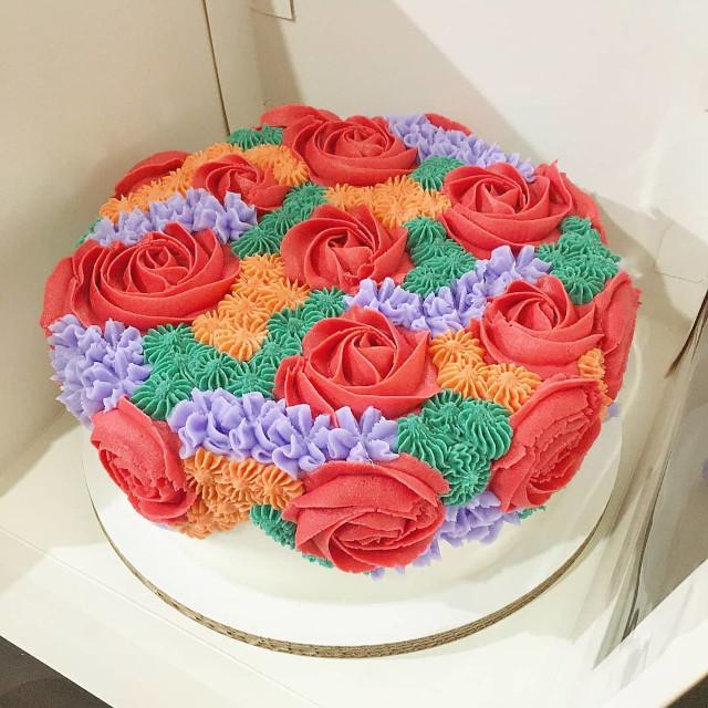 The Sugar Garden Floral Cake in a box