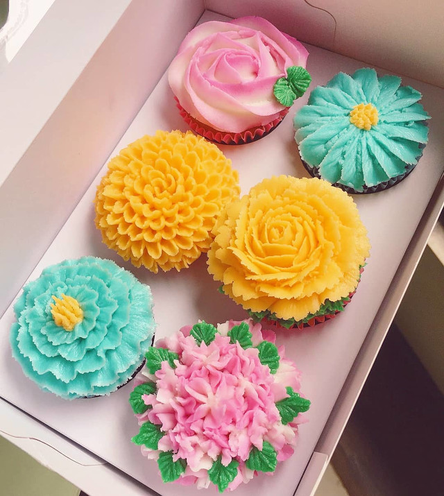The Sugar Garden Bloom Artisanal Floral Cupcakes