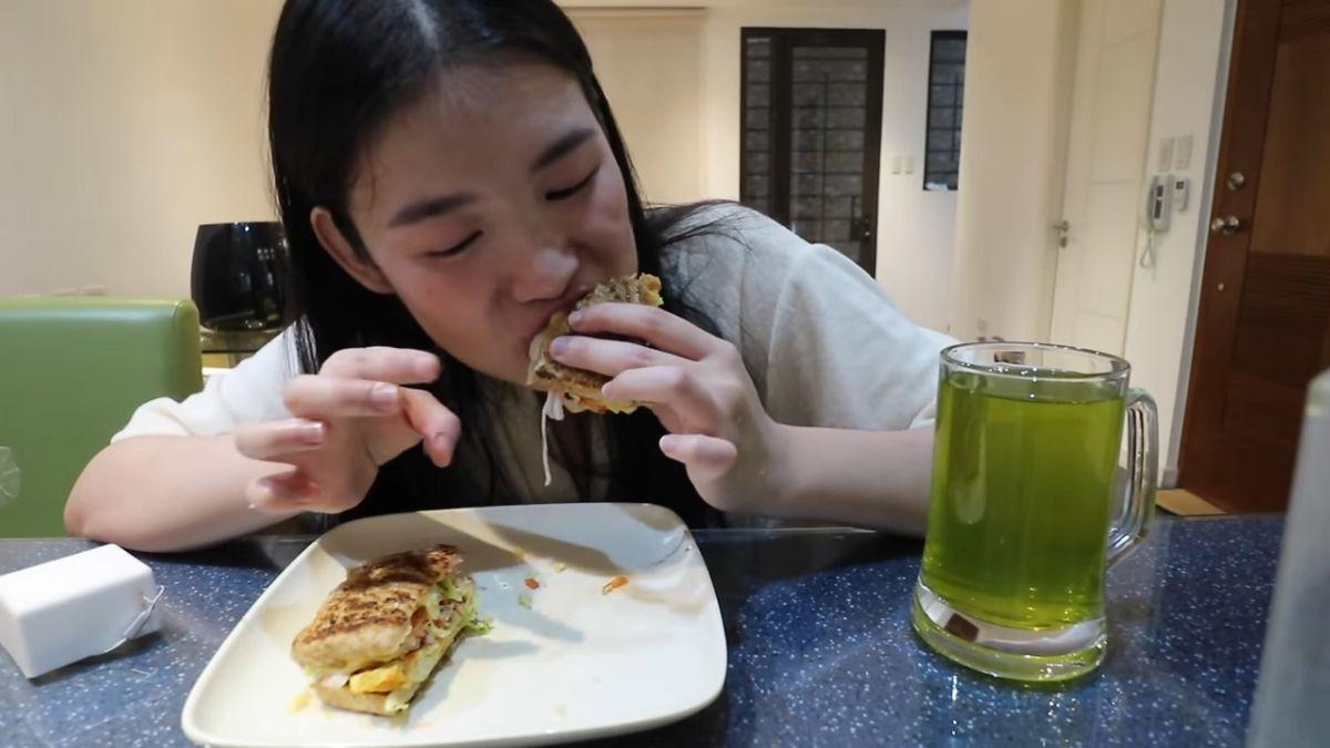 Toni Sia cooks Korean toast
